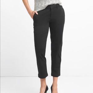 NWOT. GAP Slim Crop Trousers. Black. Size 6.